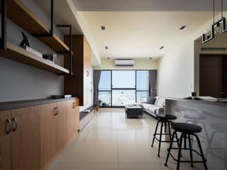 Tường & sàn phong cách hiện đại bởi 築室室內設計 Hiện đại