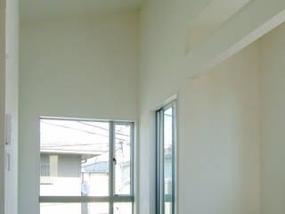 1種低層の小さな家 モダンデザインの リビング の 滝沢設計合同会社 モダン