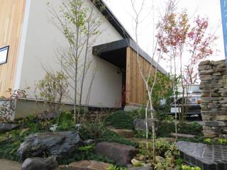 大津の庭 モダンな庭 の 株式会社 荒木造園設計 モダン