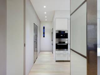 Cuisine de style  par  何侯設計   Ho + Hou Studio Architects , Moderne