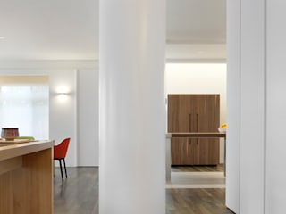 Flur & Diele von  何侯設計   Ho + Hou Studio Architects , Modern