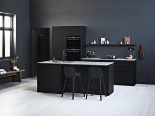 Prato Black:  Keuken door Kvik Keuken, Badkamer & Garderobe