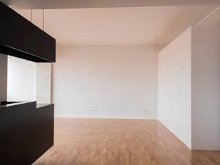 Apartamento Travessa dos Quartéis: Salas de jantar  por Silva Cravo Arquitectos,Moderno