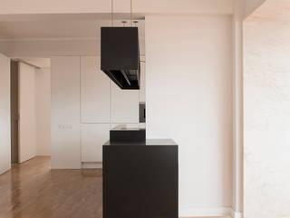 Apartamento Travessa dos Quartéis: Cozinhas  por Silva Cravo Arquitectos,Moderno