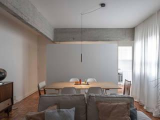 Apartamento Ferreira Borges: Salas de jantar  por Silva Cravo Arquitectos