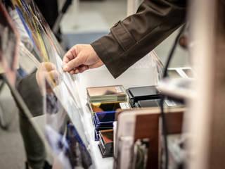 展示会に出展: 株式会社コダマガラスが手掛けた窓です。