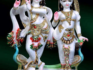 Marble Radha Krishna Statue:  Living room by Grp Marbles