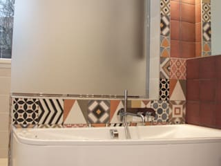 Badezimmer von Koya Architecture Intérieure, Modern