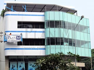 ปรับปรุงสำนักงาน UHM:  อาคารสำนักงาน ร้านค้า by plan mission project