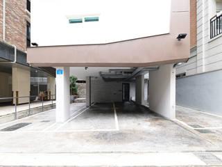 동소문동 오피스텔 더에이트: 오파드 건축연구소의  차고