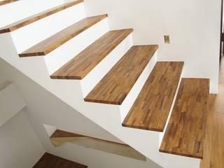 od 茂林樓梯扶手地板工程團隊 Skandynawski
