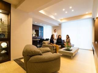 Livings de estilo moderno de QUALIA Moderno