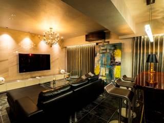 Salones de estilo moderno de QUALIA Moderno