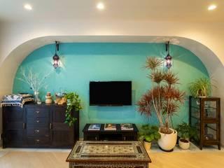 Living room by QUALIA, Mediterranean