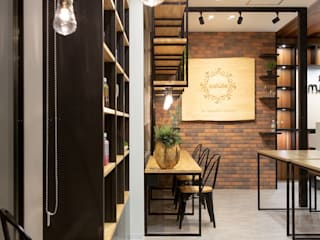 Commercial Spaces by 株式会社Juju INTERIOR DESIGNS,