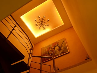 IMPERIAL TOWER, TARDEO, MUMBAI:  Walls by Aesthos Interior Design and Consultancy