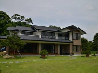Country house by 翔霖營造有限公司, Modern