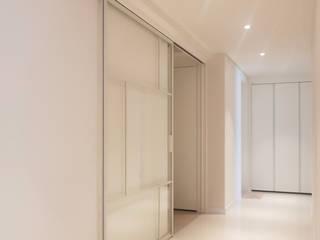 WITHJIS(위드지스) Pasillos, vestíbulos y escaleras de estilo moderno Aluminio/Cinc Blanco