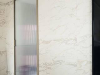 WITHJIS(위드지스) Puertas modernas Aluminio/Cinc Metálico/Plateado
