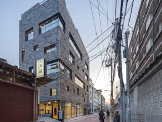(주)건축사사무소 더함 / ThEPLus Architects Casas modernas