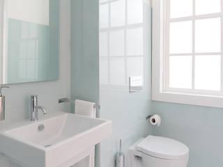 Salle de bain minimaliste par Klausroom Minimaliste