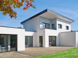 Maison contemporaine Saint Nazaire (44): Maison individuelle de style  par Maisons Arteco