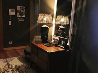 Gavetão- Decoração de Interiores สไตล์ผสมผสาน ทางเดินห้องโถงและบันได ไม้ Brown