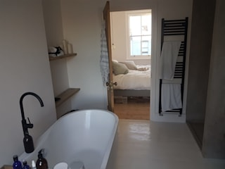 Bespoke House Extension project w4 Design and Build London Renovation Modern bathroom