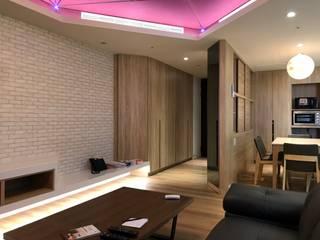 【住家】混搭美學的機能設計:  客廳 by 圓方空間設計