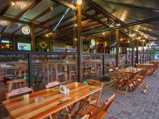 Bars & clubs rustiques par Estúdio Kza Arquitetura e Interiores Rustique