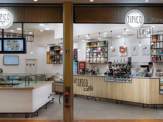 Tipico Bar & Club in stile industrial di manuarino architettura design comunicazione Industrial