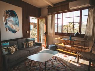 Ruang Keluarga oleh KM Furniture Solutions Pvt Ltd, Klasik