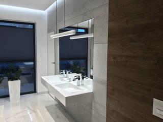 Industrial style bathroom by Luxum Industrial