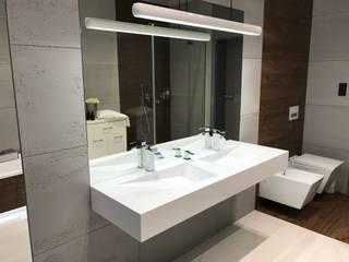 Beton architektoniczny w łazience Industrialna łazienka od Luxum Industrialny
