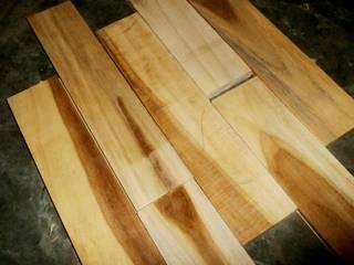 Harga lantai kayu solid di Jakarta: Ruang Keluarga oleh PT.RAJAWALI PARQUET INDONESIA,