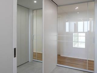 Corridor & hallway by 홍예디자인