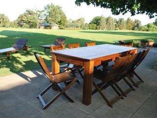 Mesa madera nativa:  de estilo  por Acacia Muebles de Jardin