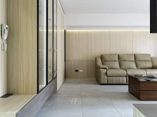 WANG House 现代客厅設計點子、靈感 & 圖片 根據 元作空間設計 現代風