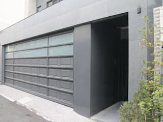 Garage Doors by 勻境設計 Unispace Designs,