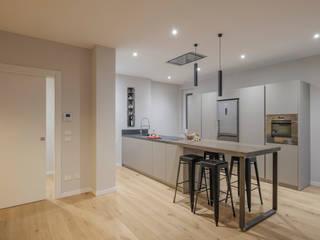 Modern kitchen by 2P COSTRUZIONI srl Modern