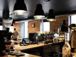 The Brick Coffee Factory - REAL FOTO: styl , w kategorii  zaprojektowany przez Pracownia Projektowa MiM Twardowscy