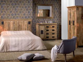 Camere da letto industrial: Camera da letto in stile  di nuovimondi di Flli Unia snc