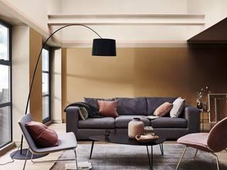 2019: A Think Space Dulux UK Moderne Wohnzimmer Bernstein/Gold