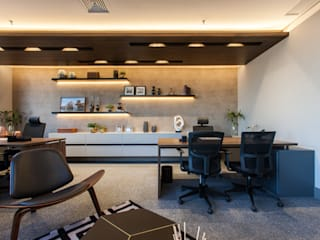 Study/office by Infinity Spaces