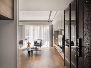 Pasillos, vestíbulos y escaleras clásicas de 築川設計 Clásico