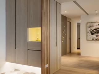 Corridor & hallway by 築川設計