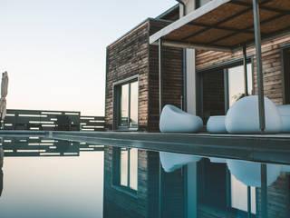 สระว่ายน้ำ by Studio Prospettiva