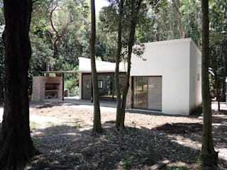 Country house by Marcelo Manzán Arquitecto,