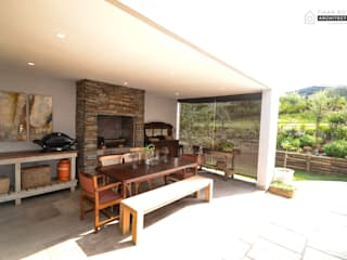 by Tiaan Botha Architecture & Associates Modern