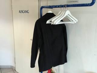 Garderobe Vorher:   von Makhaya Design